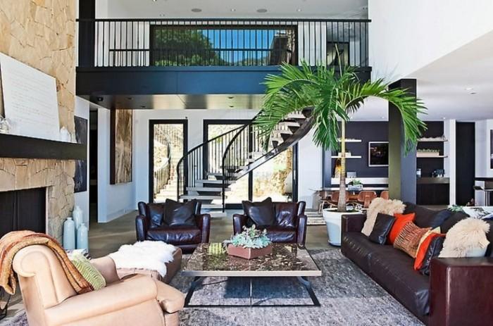 beau-canapé-fly-canapé-scandinave-fauteuil-retro-design-escaliers