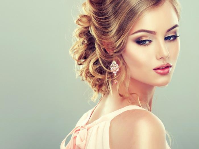 belle-coiffure-mariage-moderne-chignon-bas-mariage-beauté-femme-jolie