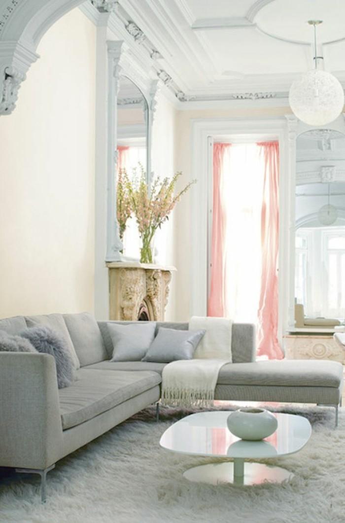 canape-convertible-gris-canapé-gris-chiné-tapis-blanc-forrure-blanc-table-ronde-blanche