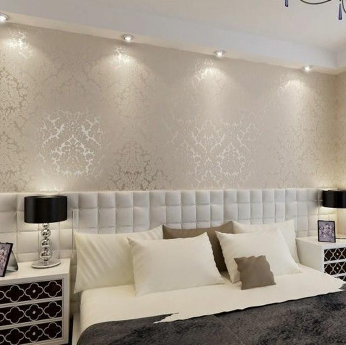 chambre-a-coucher-avec-mur-beige-motifs-decoratifs-murs-beiges-dans-la-chambre-a-coucher
