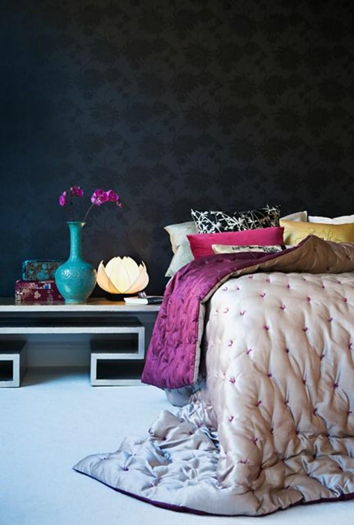 chambre-a-coucher-avec-papiers-peints-design-guild-noir-pour-la-chambre-a-coucher-design