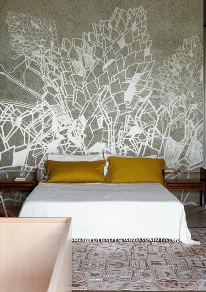 chambre-a-coucher-avec-tapis-colore-coussins-beiges-pour-le-lit-couverture
