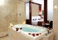 Belle chambre avec jacuzzi privatif – 40 idées romantiques!
