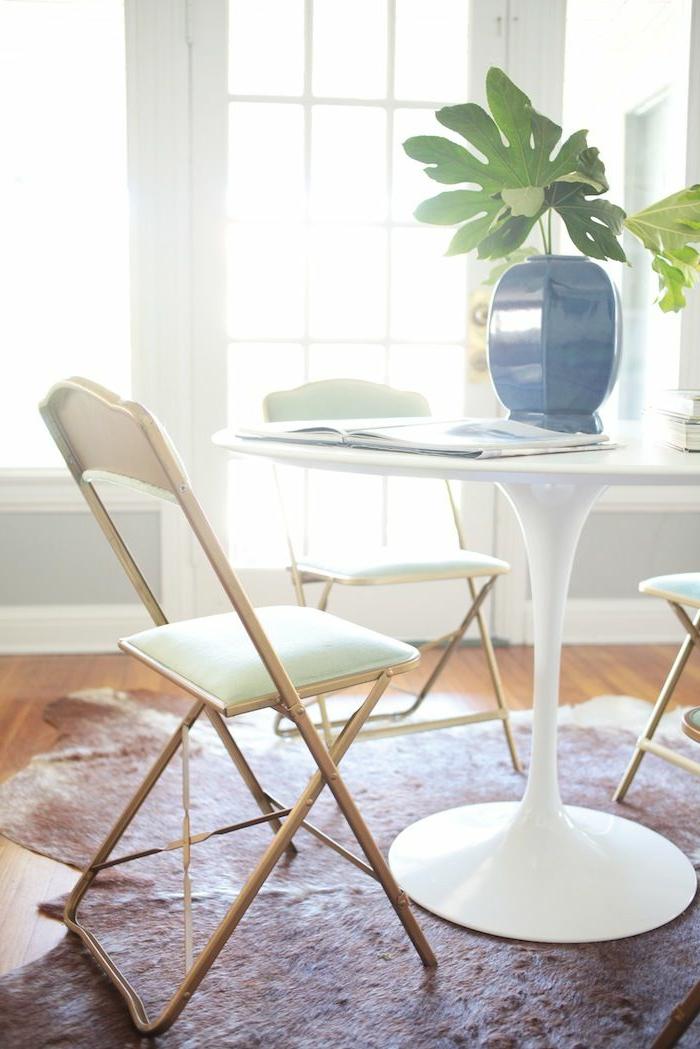 chic-chamber-chaise-de-table-chaise-fermob-chaise-de-plage-pliante-table-blanche