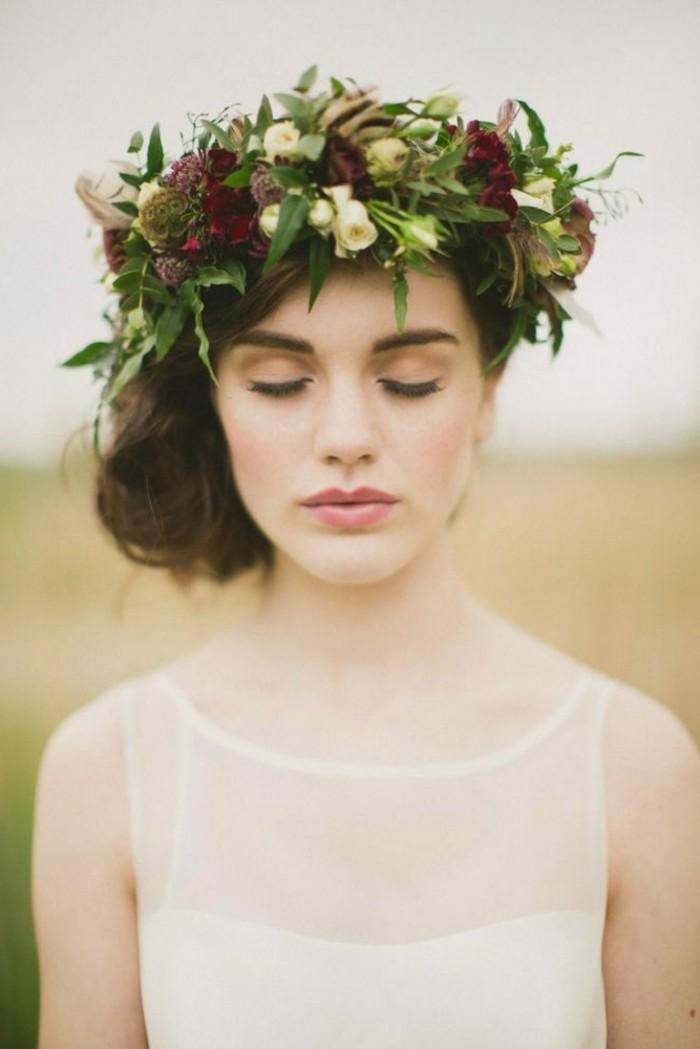 chignon-mariage-coiffure-mariage-2015-2016-tendances-la-couronne-de-fleurs