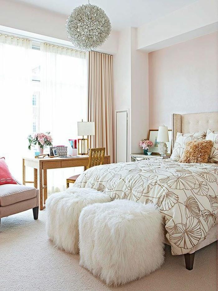 La parure de lit romantique en milles photos for Descamps interieur