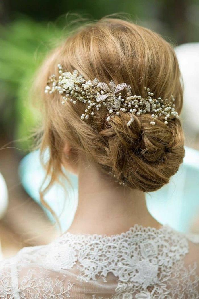 coiffure-cheveux-long-chignon-de-mariage-tuto-coiffure-belle-idée-accessoires