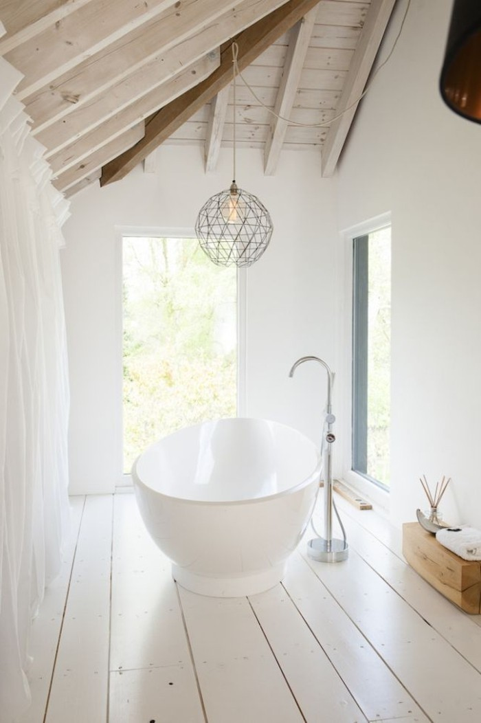 Relooker une salle de bain 42 id es en photos for Amenager la salle de bain