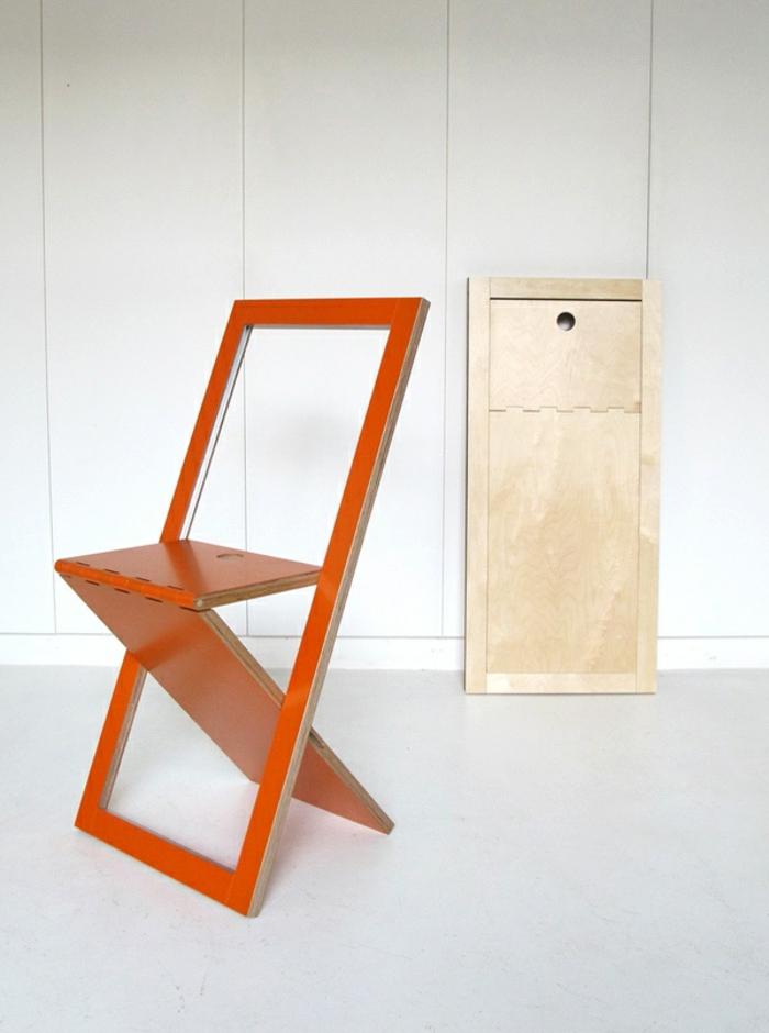 Uniques id es pour la d co avec la chaise pliante - Table pliante au mur ...