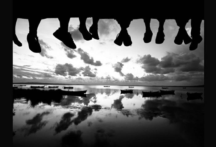 cool-photo-noir-et-blanc-femme-photographie-artistique-pieds.jpg
