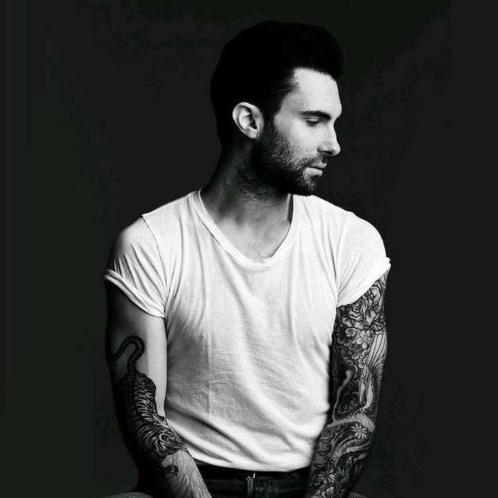 cool-tatouage-femme-poignet-tatouage-bracelet-poignet-originale-idée-beau-adam-lavigne