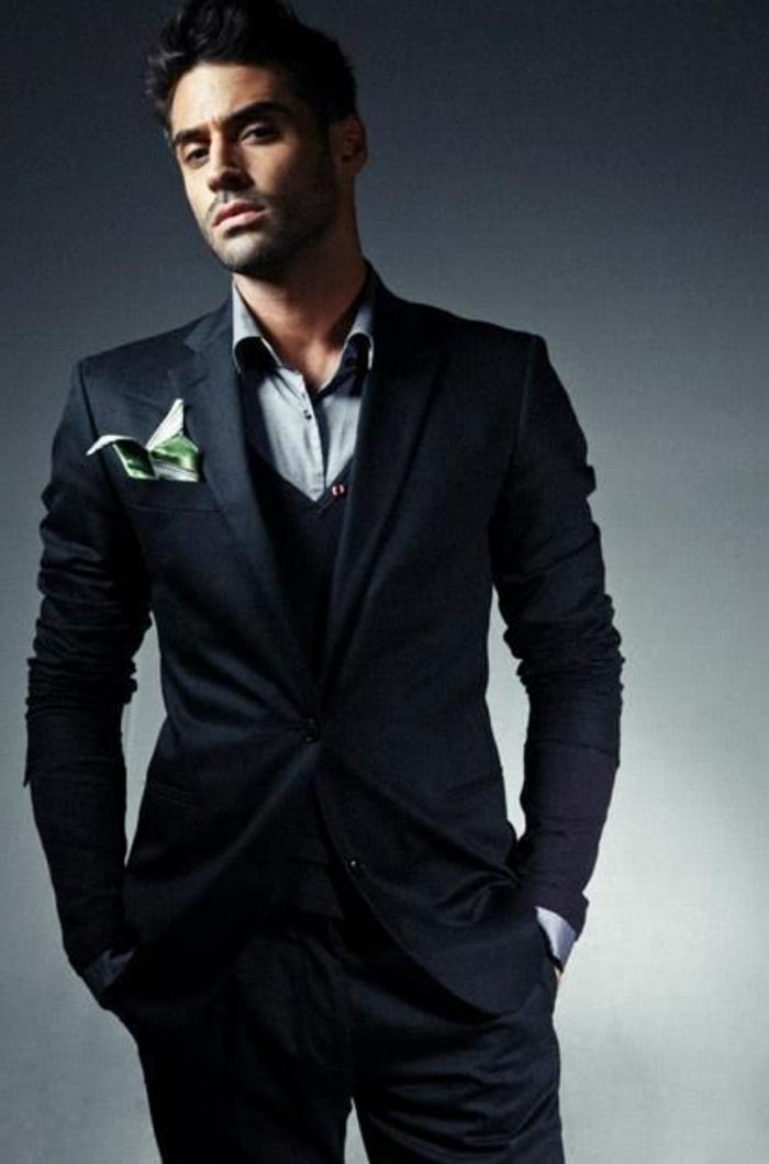 les meilleurs costumes pour hommes. Black Bedroom Furniture Sets. Home Design Ideas