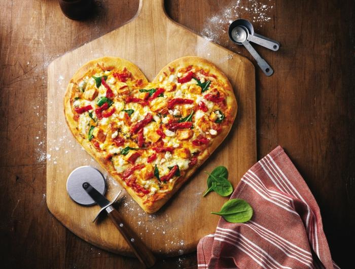 délicatesse-meilleur-pizzeria-de-paris-manger-avec-bonne-compagnie-pizza-coeur-saint-valentine
