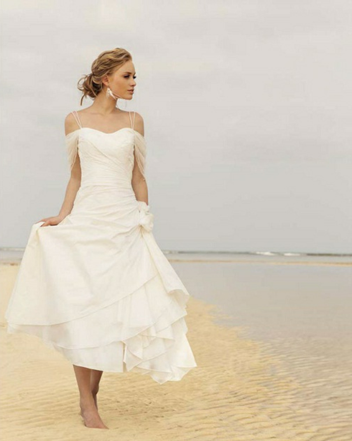 delicate-chignon-haut-mariage-coiffure-de-mariage-idée-coiffure-mariage-au-bord-de-la-mer