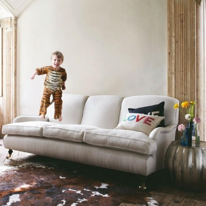design-canape-en-lin-canape-italie-dans-l-intérieur-salon-et-l-enfant