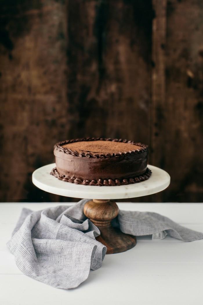 entremet-chocolat-gâteau-chocolat-genoise-chocolat-dessert-parfait-table