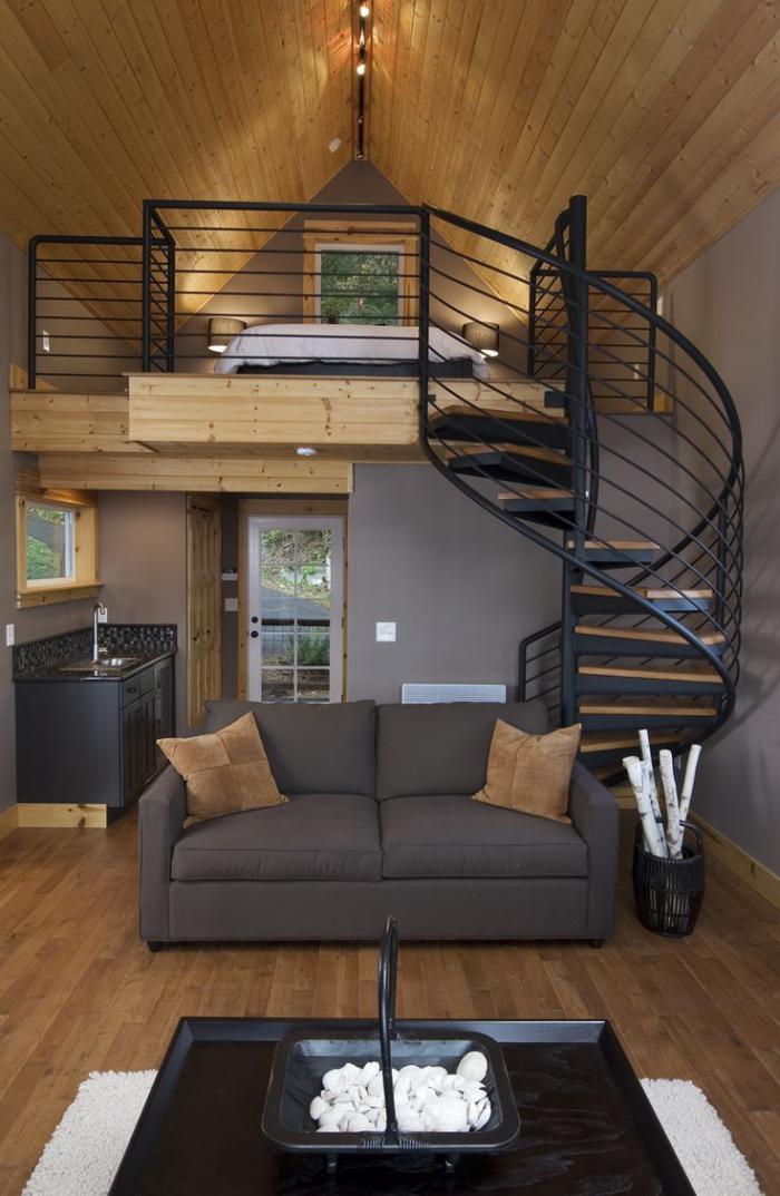 escalier-suspendu-avec-belle-petite-mezzanine
