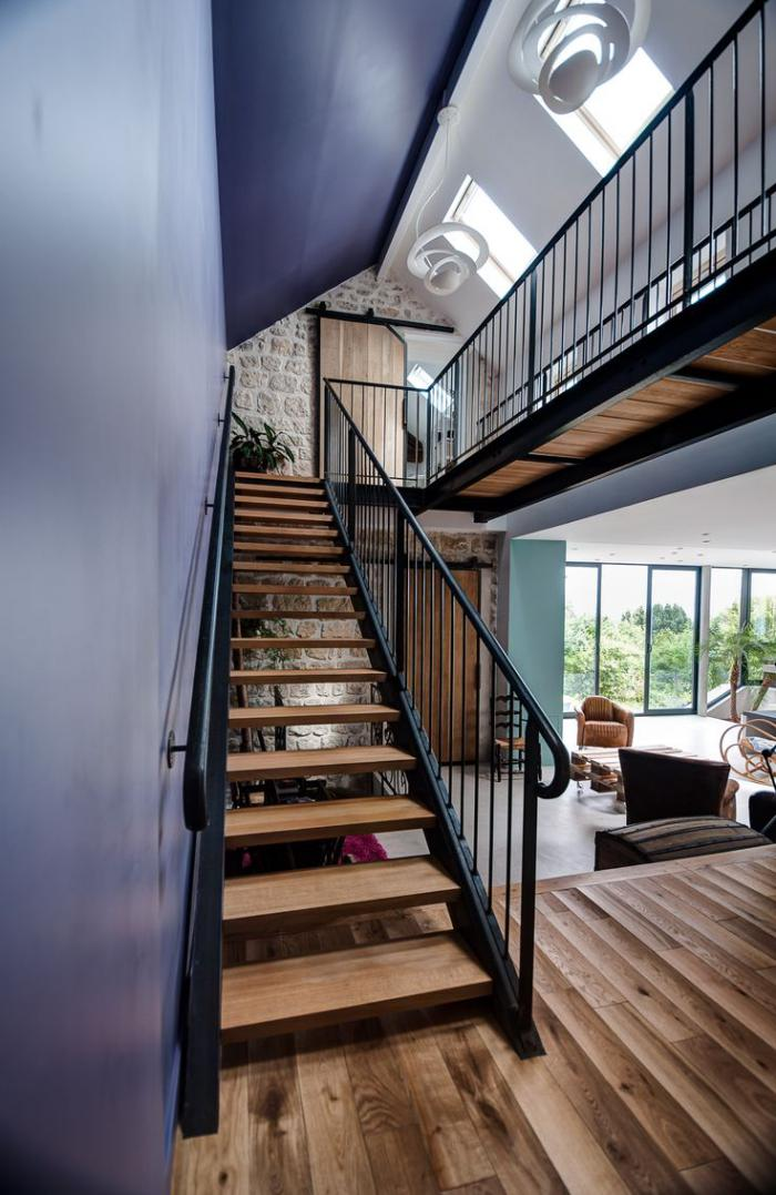 Designs d 39 escalier suspendu le look du loft moderne for Plan de loft moderne