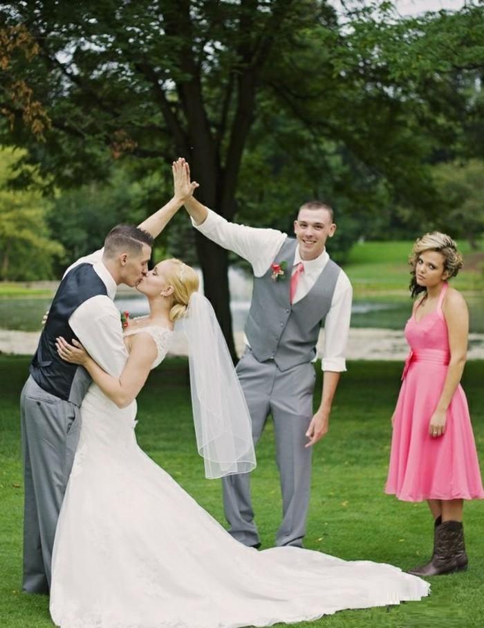 faire-part-mariage-original-avec-photo-mariage-originale-heureux-couple