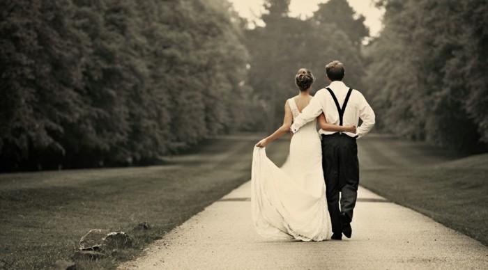 delicate-chignon-haut-mariage-coiffure-de-mariage-idée-coiffure