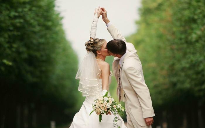 fantastique-chignon-pour-mariage-chignons-mariage-cheveux-foret