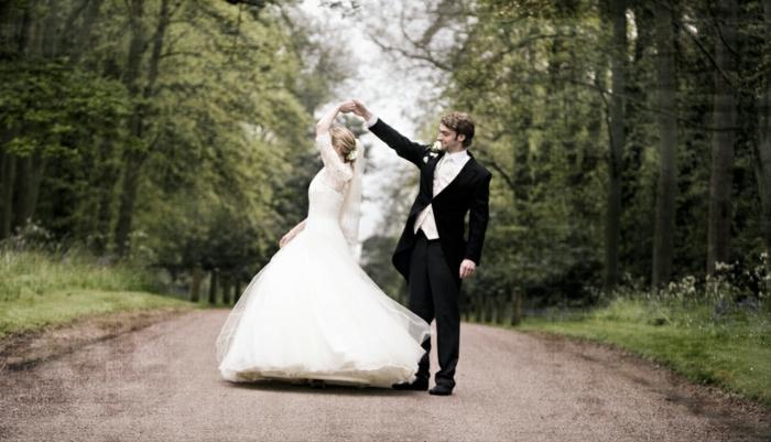 fantastique-chignon-pour-mariage-chignons-mariage-cheveux-photo-mariage-couple-danse
