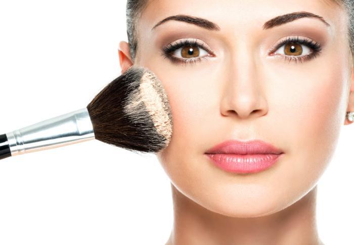 font-de-teint-poudre-le-base-idéal-pour-maquillage