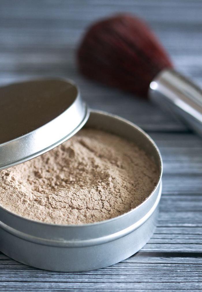 font-de-teint-poudre-produits-cosmétiques-naturels