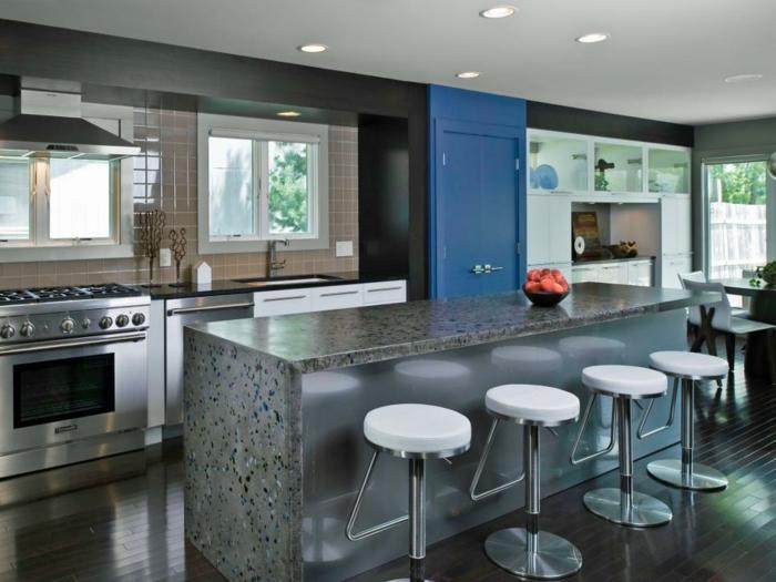 Une cr dence cuisine voyez les meilleurs id es for Cuisine moderne bleu