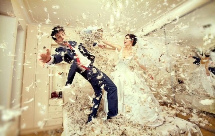 https://archzine.fr/wp-content/uploads/2016/01/funny-pose-photo-mariage-originale-site-deco-mariage-originale.jpg