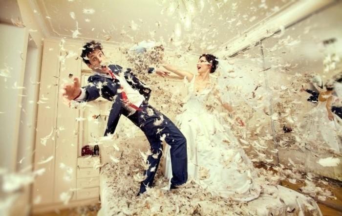 funny-pose-photo-mariage-originale-site-deco-mariage-originale