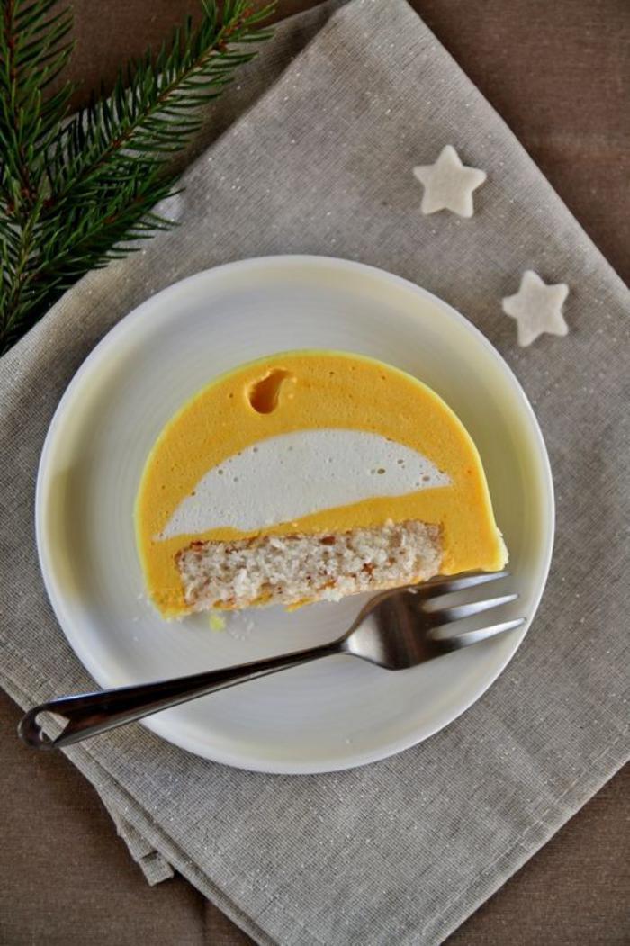 gâteau-roulé-crème-au-citron-dessert-de-fête