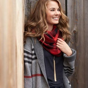 L'accessoire indispensable pour l'hiver - la grosse écharpe