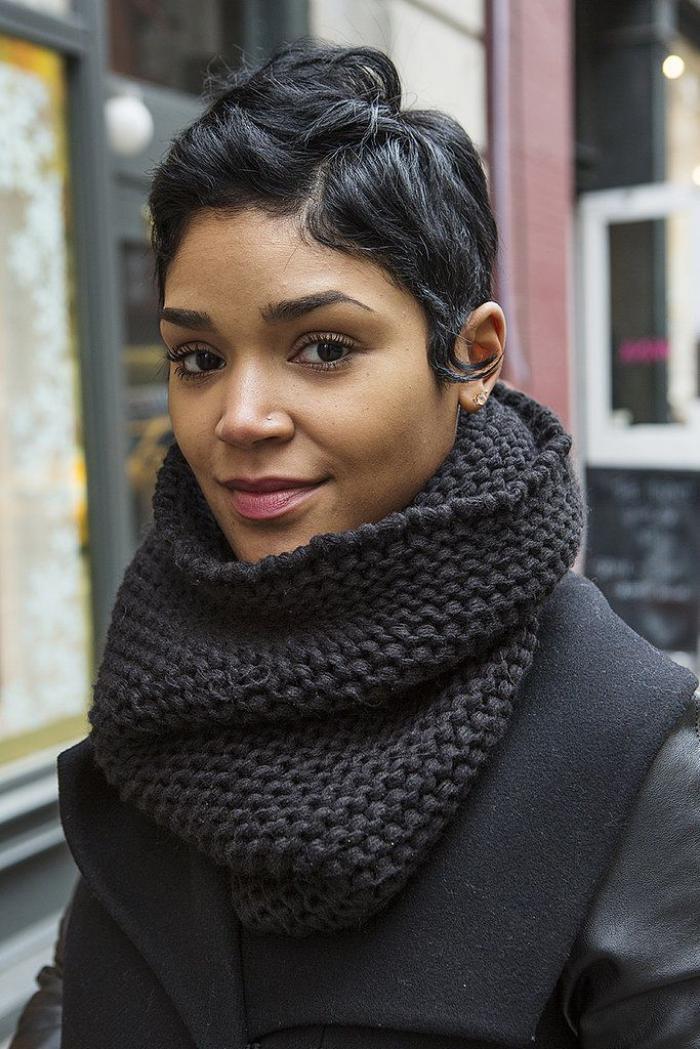 grosse-écharpe-foulard-cable-gris-la-mode-de-tous-les-jours