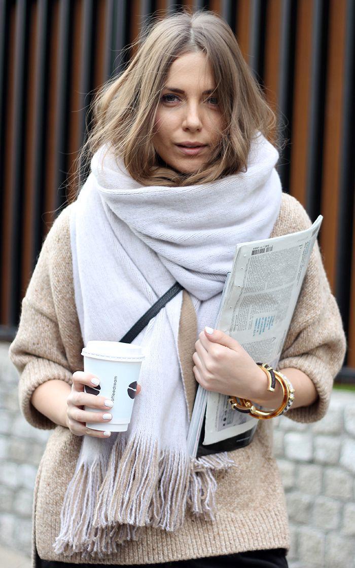 L 39 accessoire indispensable pour l 39 hiver la grosse charpe - Nouer une echarpe ...