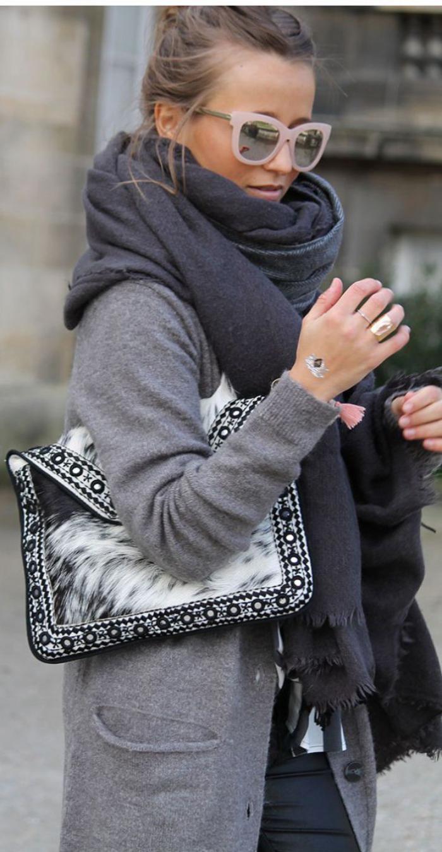 grosse-écharpe-manteau-en-laine-bouillie