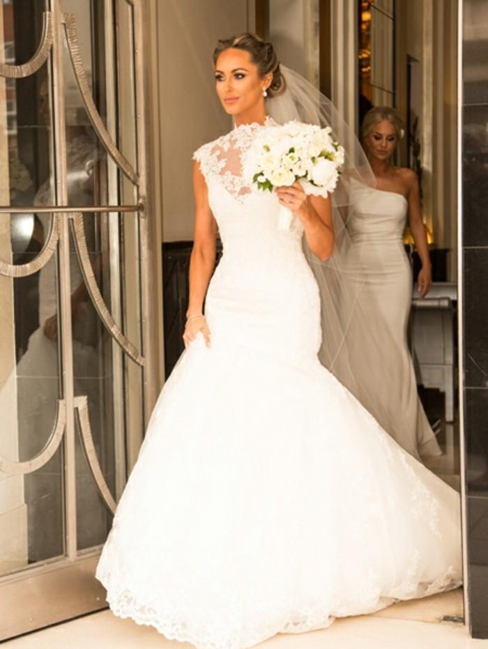 delicate-chignon-haut-mariage-coiffure-de-mariage-idée-coiffurerobin prior to use@@baremedia-dorsett-7.jpg