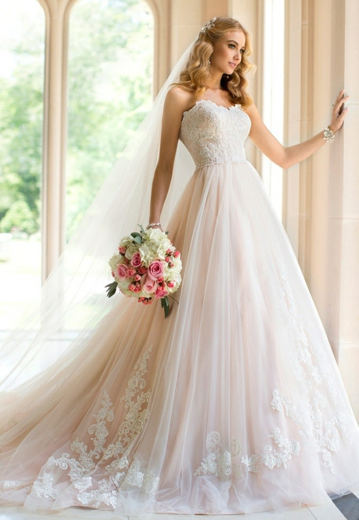idée-en-dentelle-robe-de-mariée-sexy-robe-marie-robe-de-mariée-pas-chere-adorable-royale-robe