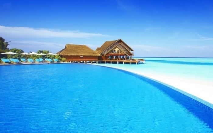 ile-maldive-les-maldives-carte-voyages-maldives-piscine-et-mer