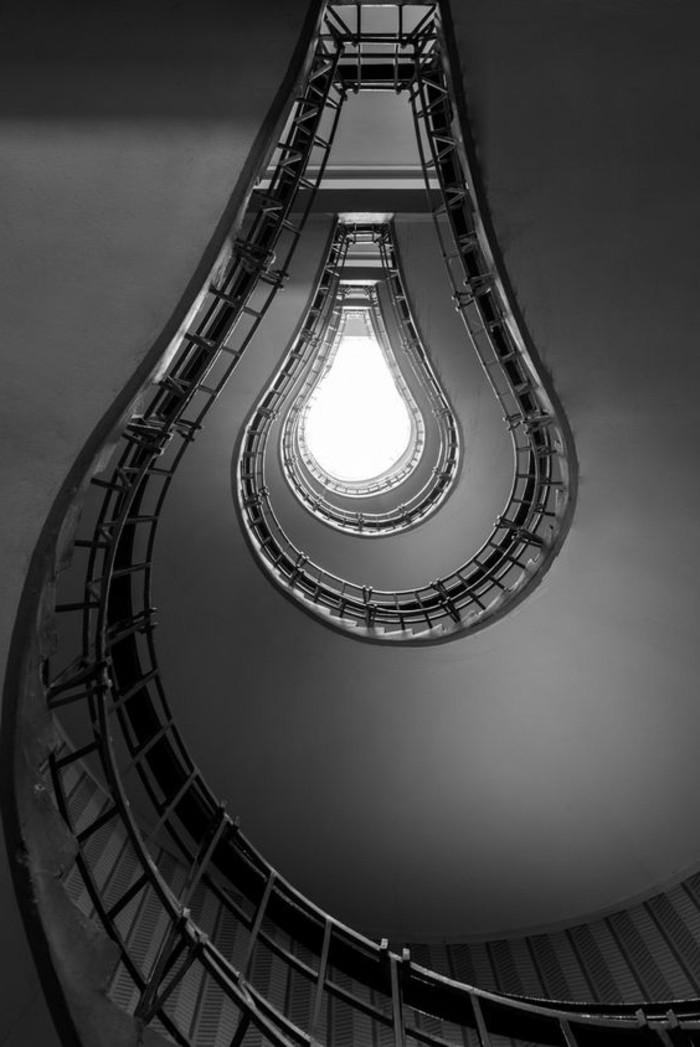 instantané-photographie-art-beauté-en-noir-et-blanc-couloir