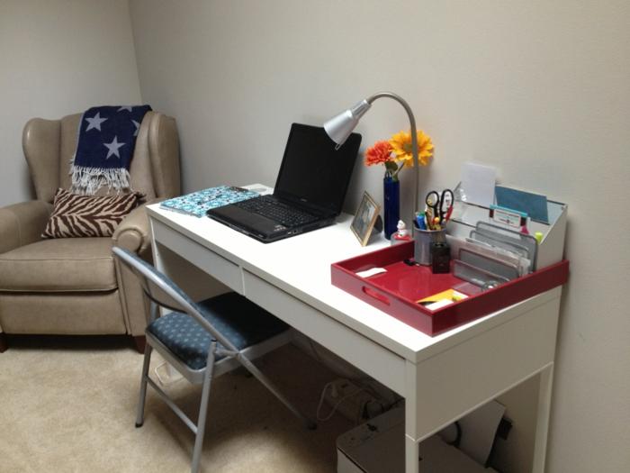 intérieur-simple-mais-formidable-chaise-de-salle-a-manger-ikea-chaise-de-jardin