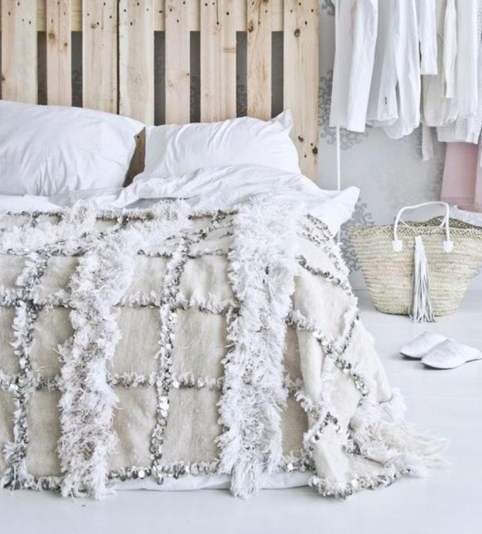 Le jet de lit en 44 photos pour trouver le meilleur plaid Jete de lit maison du monde