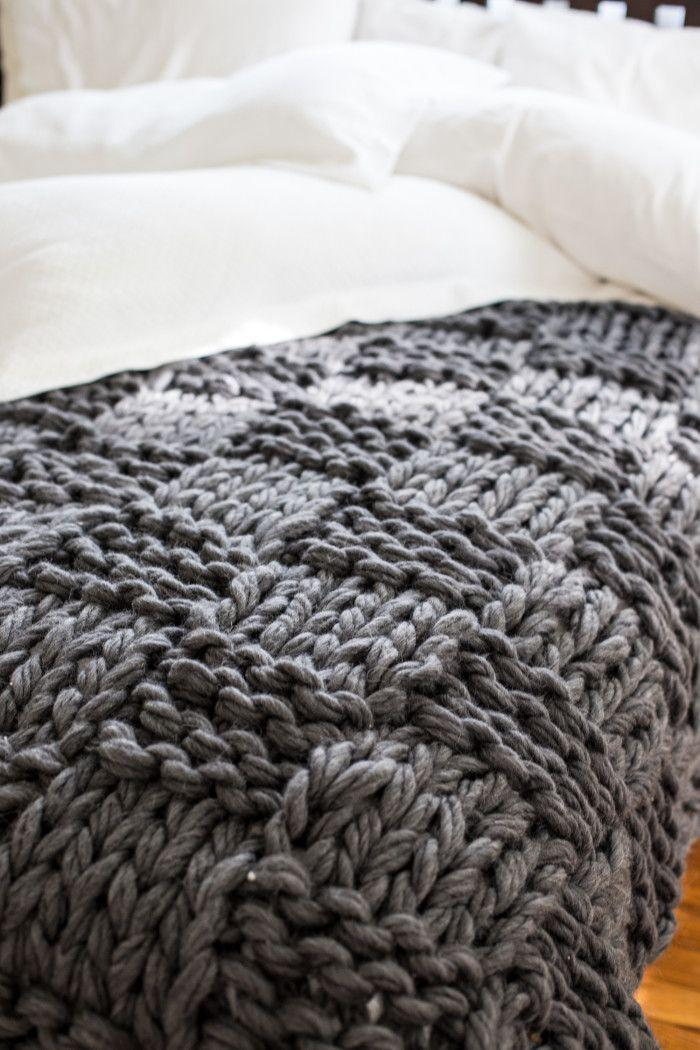jeté-de-lit-laine-tricotée-grise