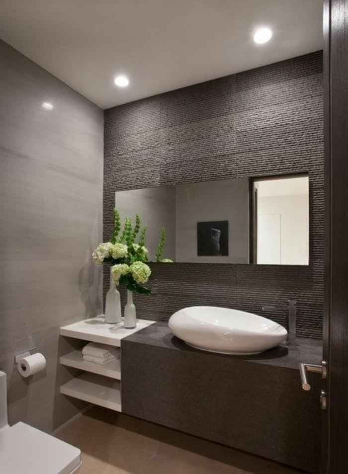 joli-aménagement-salle-de-bain-nos-idees-pour-votre-salle-de-bain-couleur-taupe