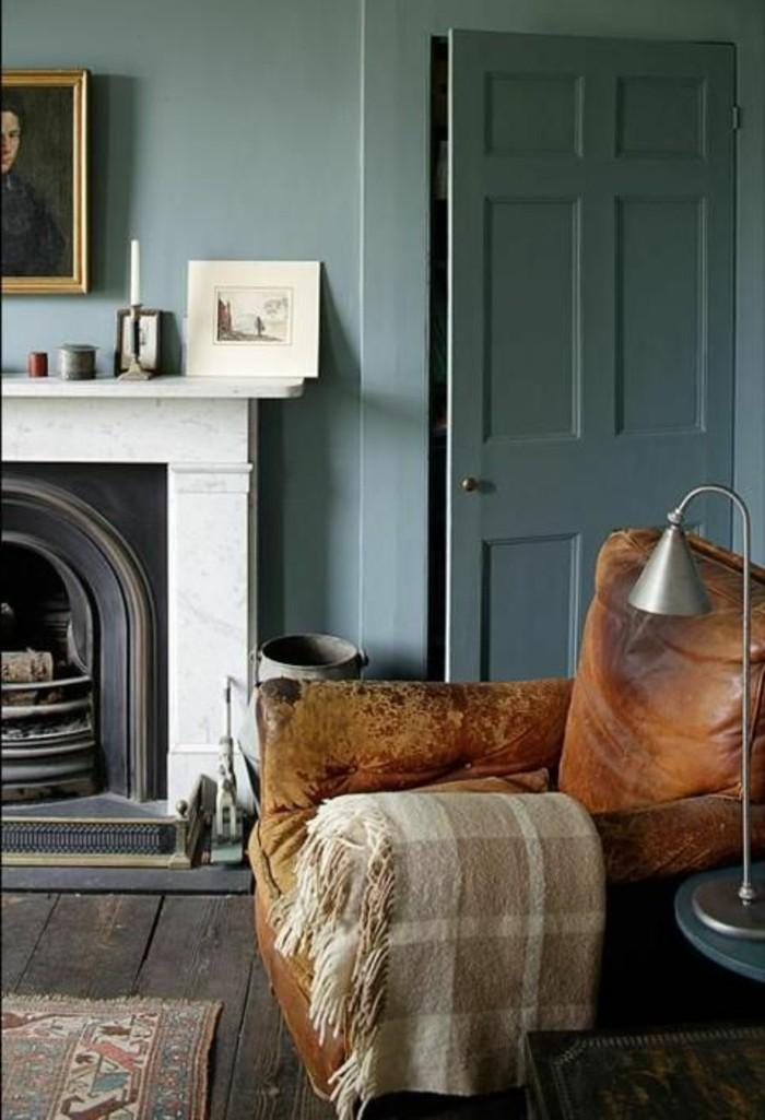 joli-fauteuil-relax-conforama-en-cuir-marron-tapis-retro-chic-coloré-pour-le-salon