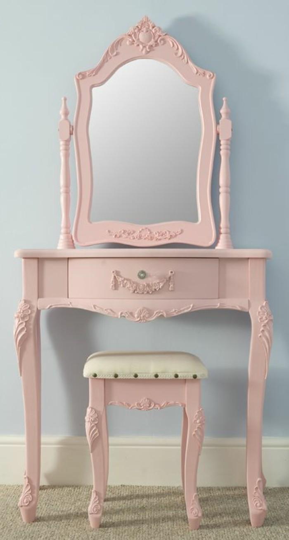 joli-meuble-shabby-chic-rose-pale-mur-bleu-patiner-un-meuble-shabby-chic-deco