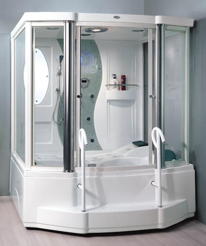 jolie-cabine-de-douche-les-cabines-de-douche-blanches-sol-en-parquet-clair