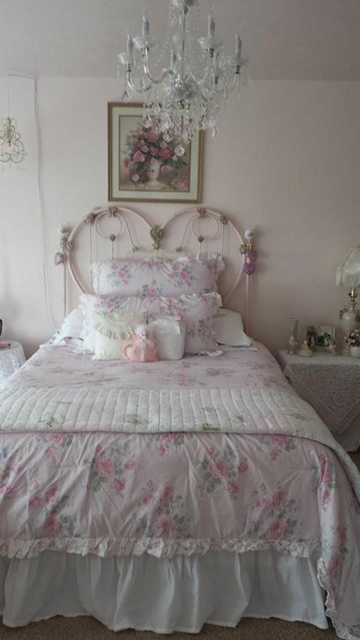 jolie-chambre-a-cuocher-meuble-gustavian-tapisserie-kitch-deco-shabby-chic-idees-diy