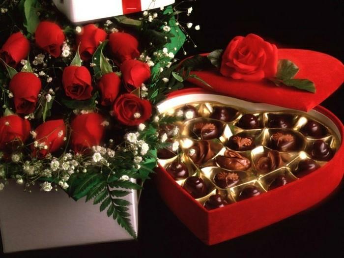 jolie-idee-cadeau-femme-saint-valentin-fleurs-cgocolat-quel-cadeau-femme-st-valentin
