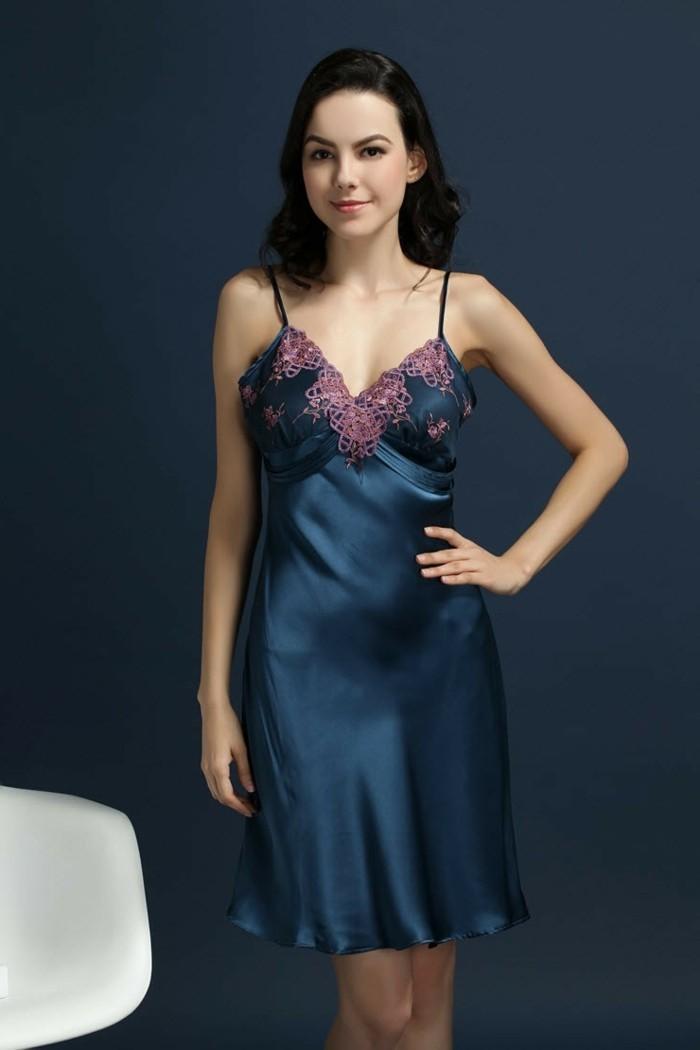 la meilleure robe de chambre femme o la trouver. Black Bedroom Furniture Sets. Home Design Ideas
